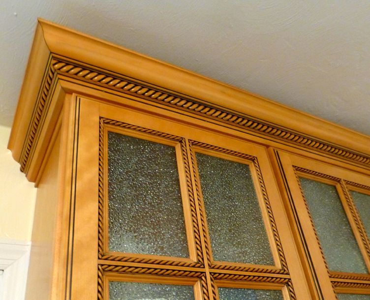 Rta kitchen cabinet discounts maple oak bamboo birch for Oak crown molding for kitchen cabinets