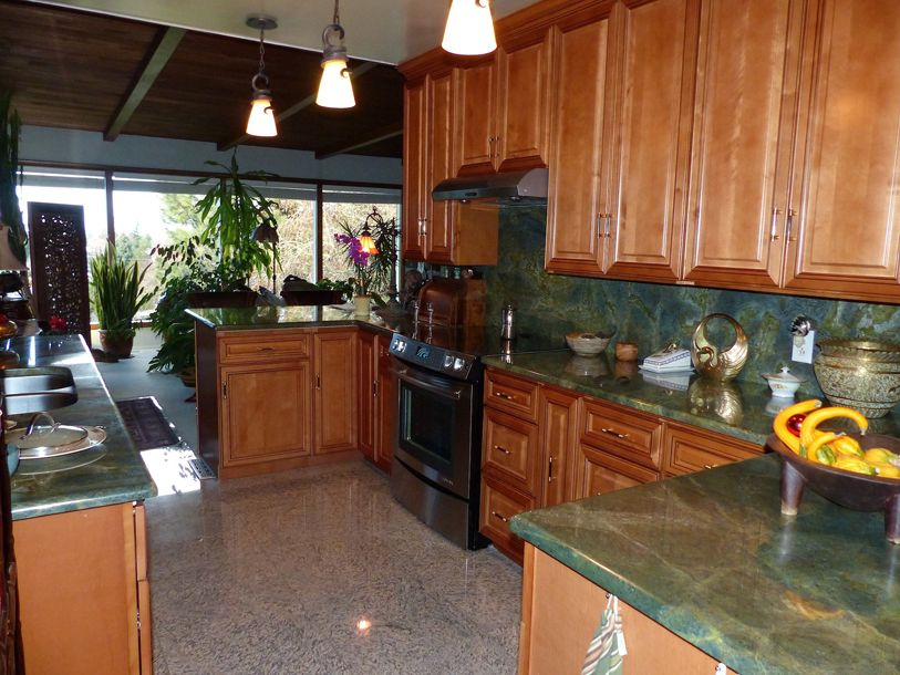 Copyright Kitchen Cabinet Discounts 2014 RTA Kitchen Cabinet Discounts Kitchen Makeover RTA Cabinets BEST STOVE SIDE