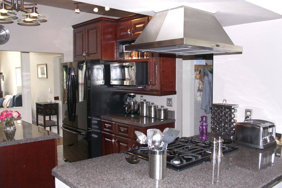 Copyright Kitchen Cabinet Discounts Tom & Judy AFTER RTA Kitchen Cabinet Discounts RTA Kitchen Makeovers 3
